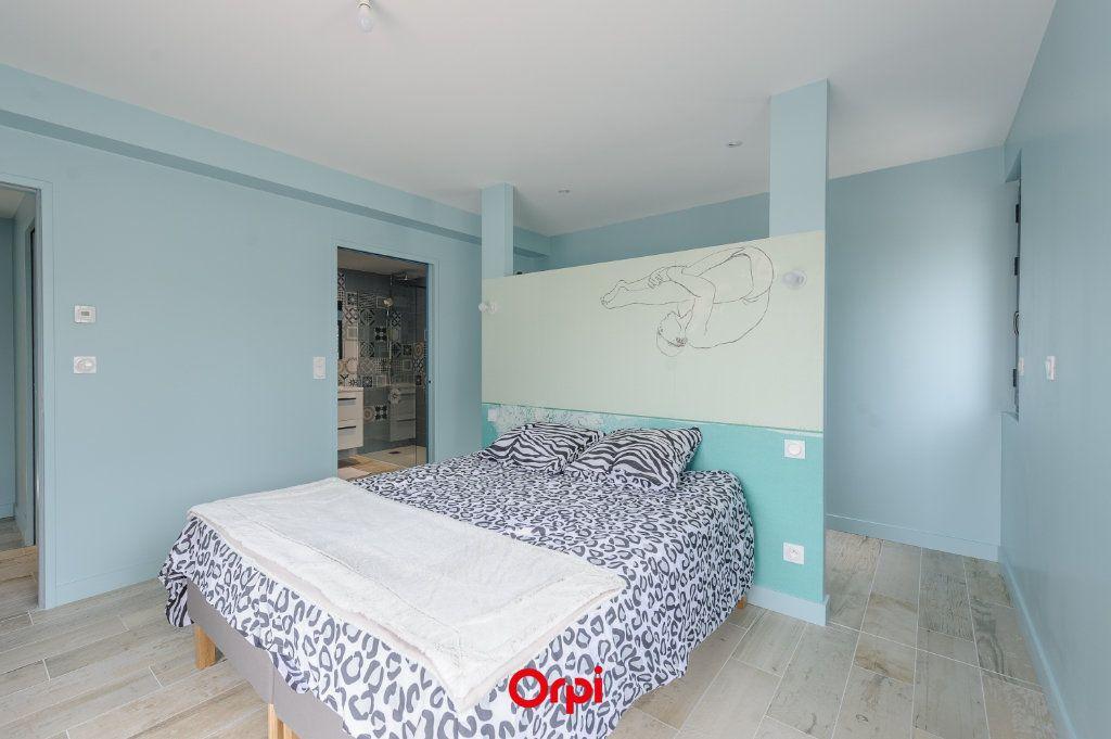 Maison à vendre 6 205.7m2 à L'Houmeau vignette-3