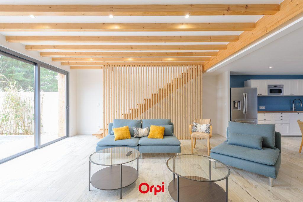 Maison à vendre 6 205.7m2 à L'Houmeau vignette-5