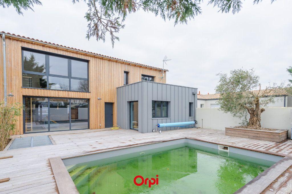 Maison à vendre 6 205.7m2 à L'Houmeau vignette-10