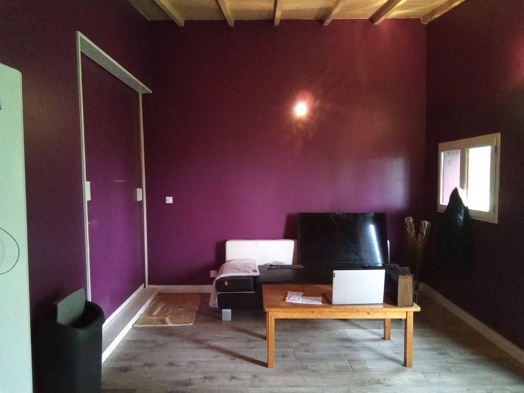 Maison à vendre 7 173m2 à Saint-Hilaire-la-Palud vignette-5