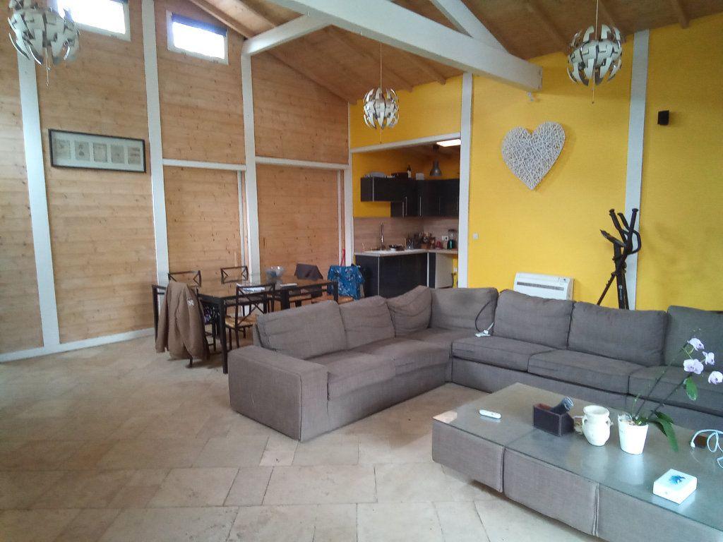 Maison à vendre 7 173m2 à Saint-Hilaire-la-Palud vignette-6