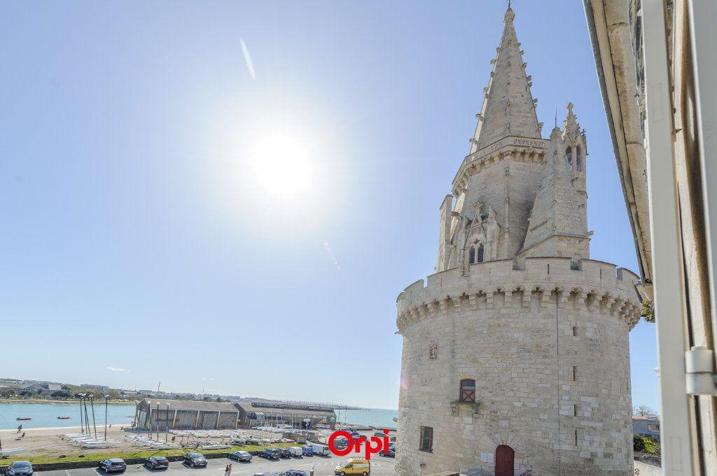 Appartement à vendre 3 65.78m2 à La Rochelle vignette-1