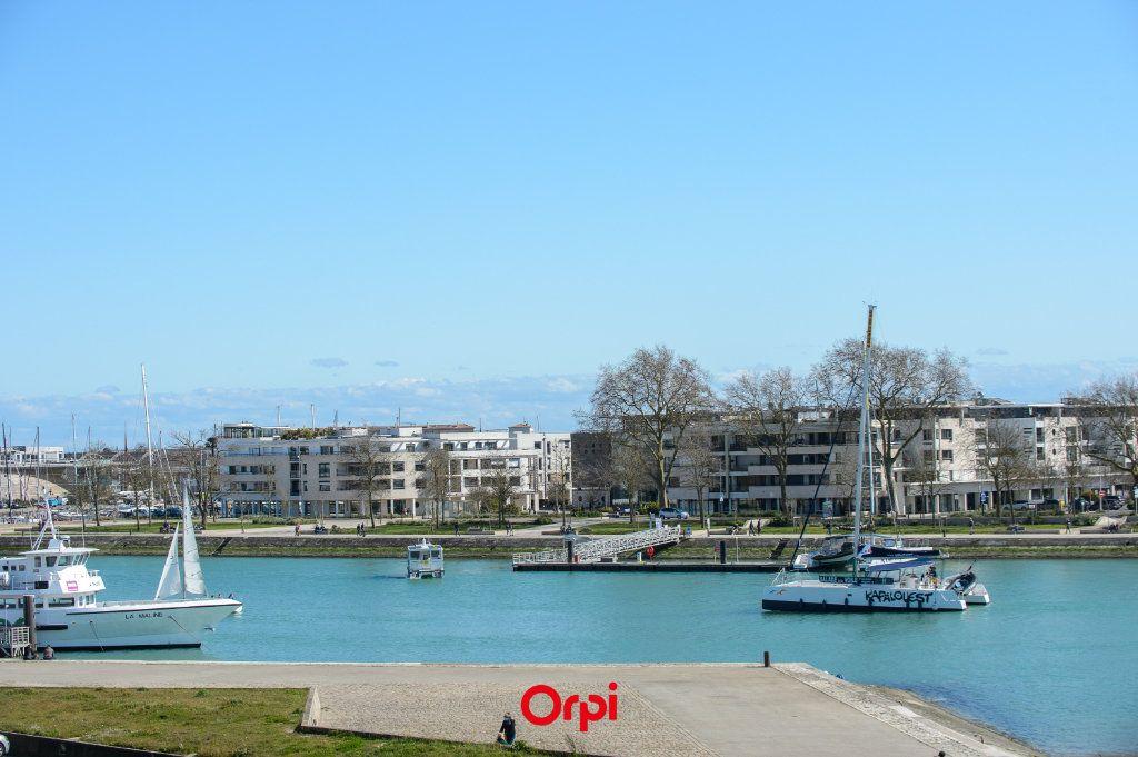 Appartement à vendre 3 65.78m2 à La Rochelle vignette-2