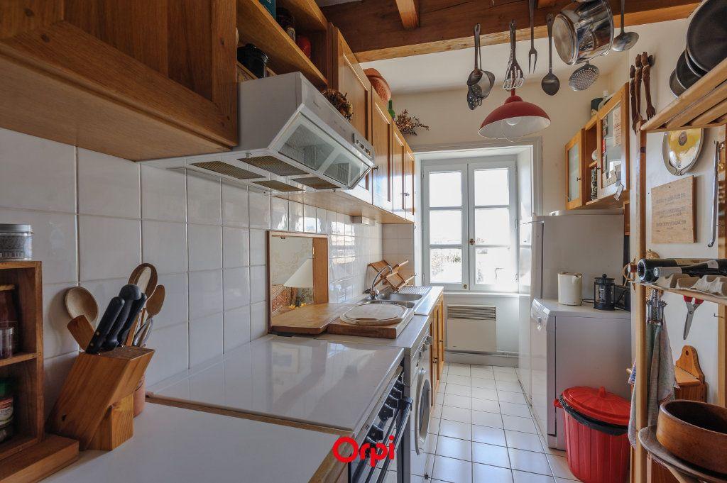 Appartement à vendre 3 65.78m2 à La Rochelle vignette-5