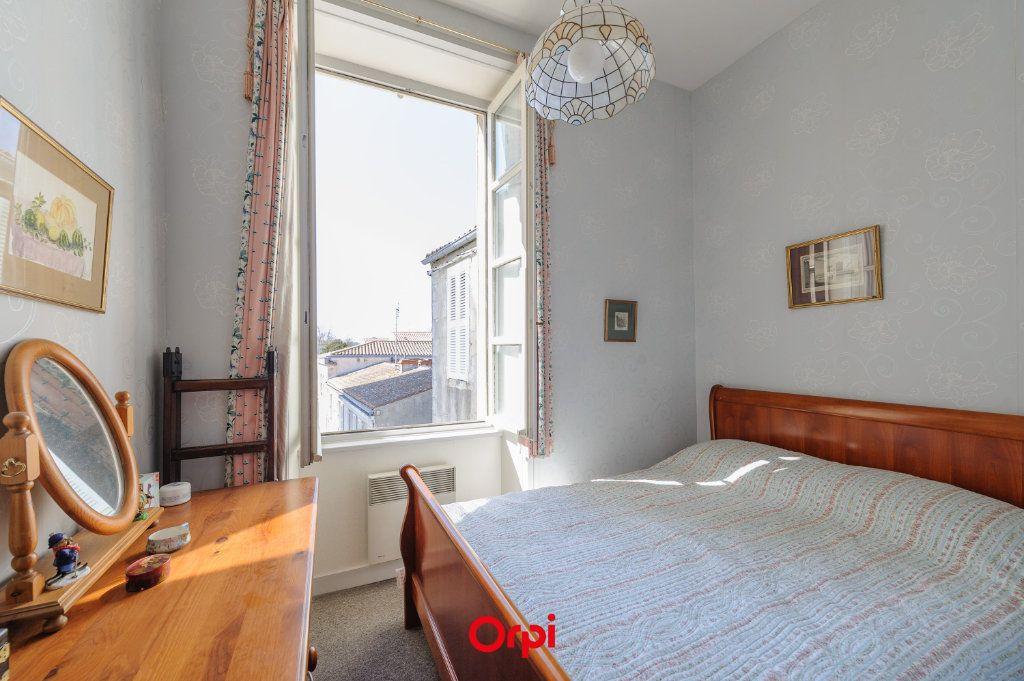 Appartement à vendre 3 65.78m2 à La Rochelle vignette-7