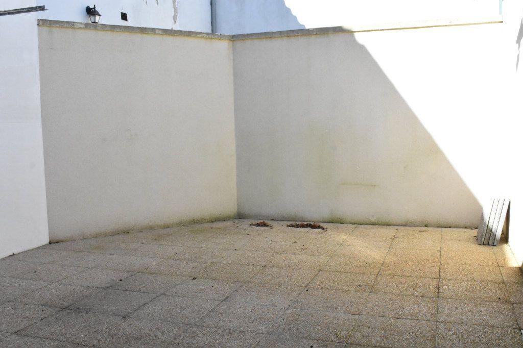 Appartement à louer 3 57.6m2 à Angoulins vignette-2