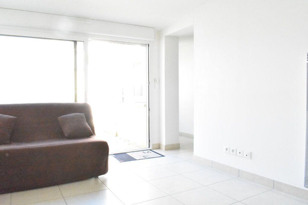 Appartement à louer 3 57.6m2 à Angoulins vignette-4