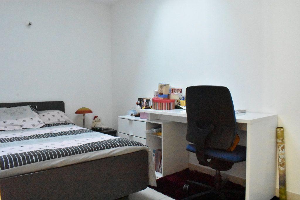 Appartement à louer 3 57.6m2 à Angoulins vignette-6