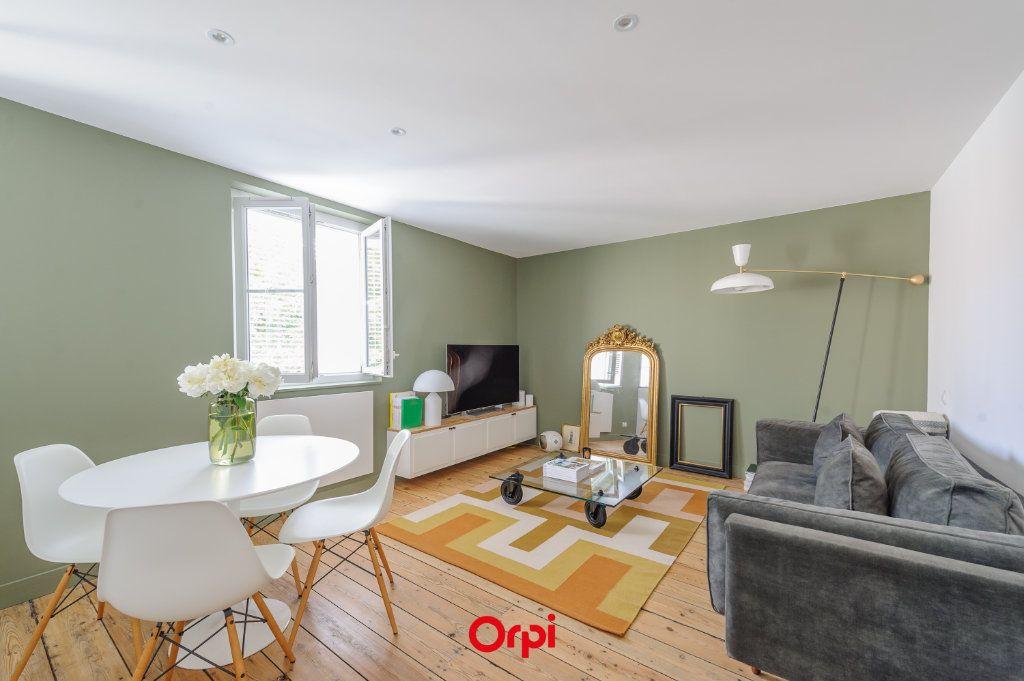 Appartement à vendre 3 64m2 à La Rochelle vignette-1
