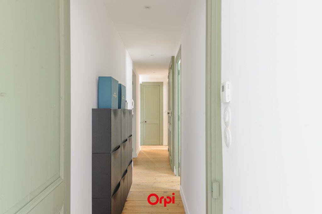 Appartement à vendre 3 64m2 à La Rochelle vignette-4