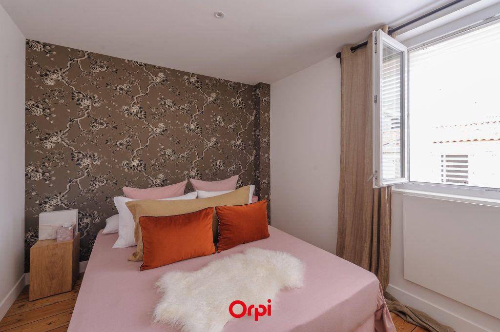 Appartement à vendre 3 64m2 à La Rochelle vignette-6