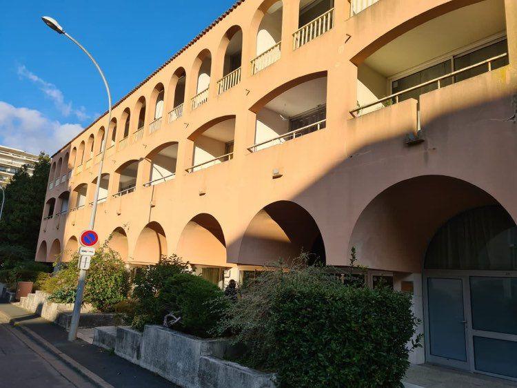 Appartement à louer 3 49.82m2 à La Rochelle vignette-1