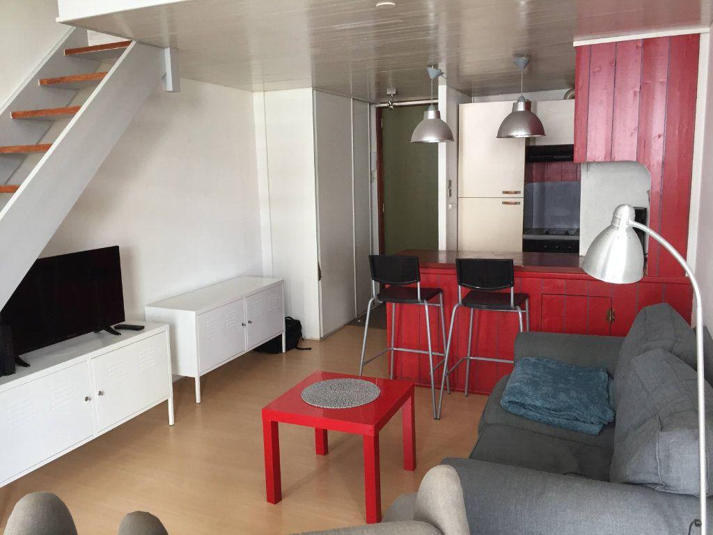 Appartement à louer 3 49.82m2 à La Rochelle vignette-4