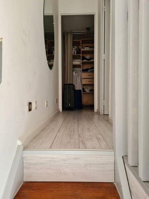 Appartement à louer 3 49.82m2 à La Rochelle vignette-7