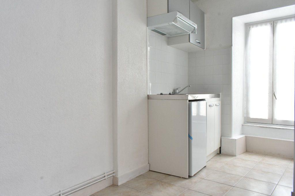 Appartement à louer 1 19.18m2 à Dompierre-sur-Mer vignette-1