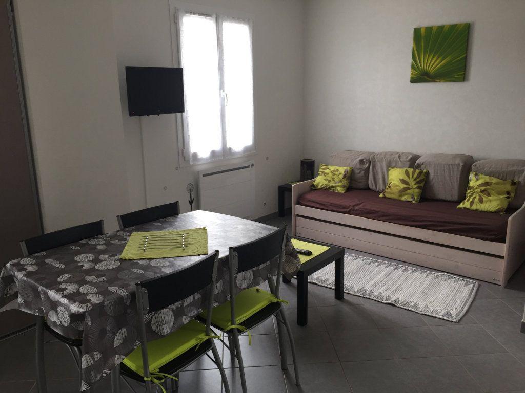 Appartement à louer 2 30m2 à Angoulins vignette-3