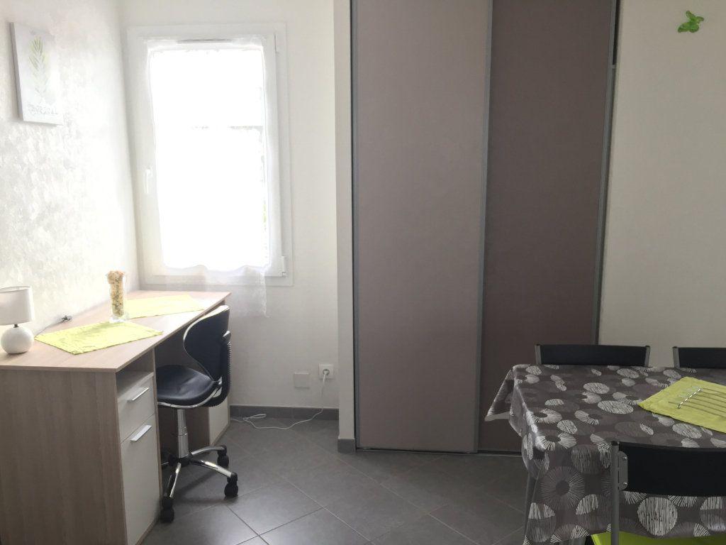Appartement à louer 2 30m2 à Angoulins vignette-6