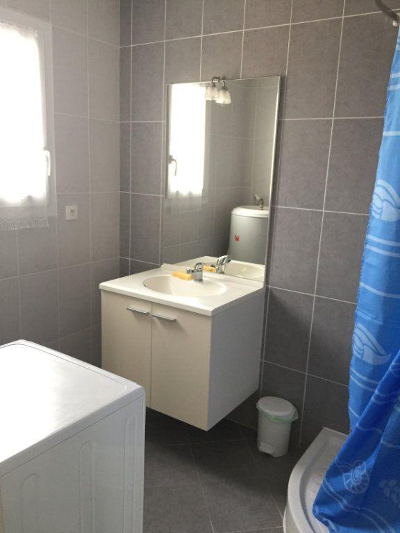 Appartement à louer 2 30m2 à Angoulins vignette-8