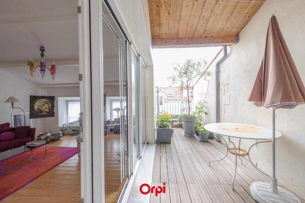 Appartement à vendre 3 84m2 à La Rochelle vignette-1