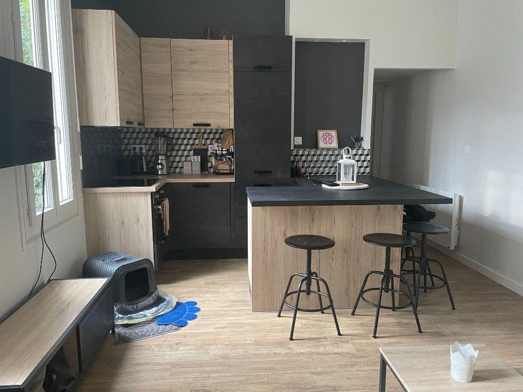 Appartement à vendre 2 32.88m2 à Rochefort vignette-2