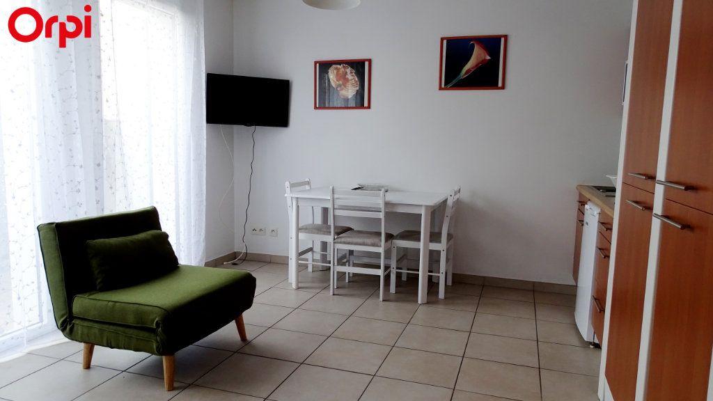 Appartement à louer 1 26m2 à Châtelaillon-Plage vignette-2