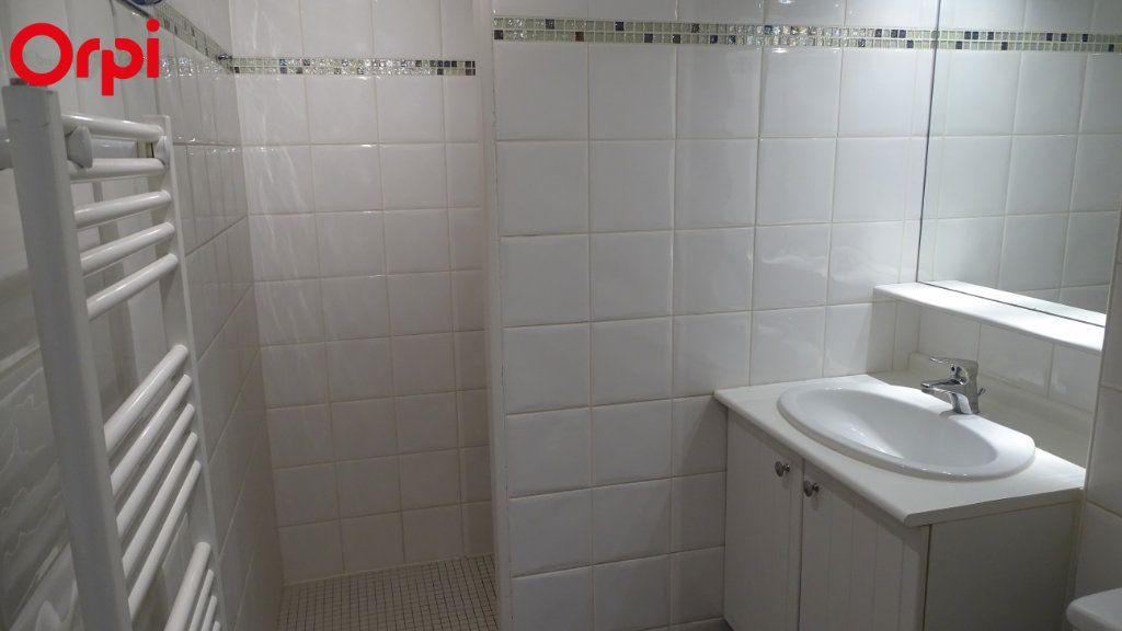 Appartement à louer 1 26m2 à Châtelaillon-Plage vignette-3