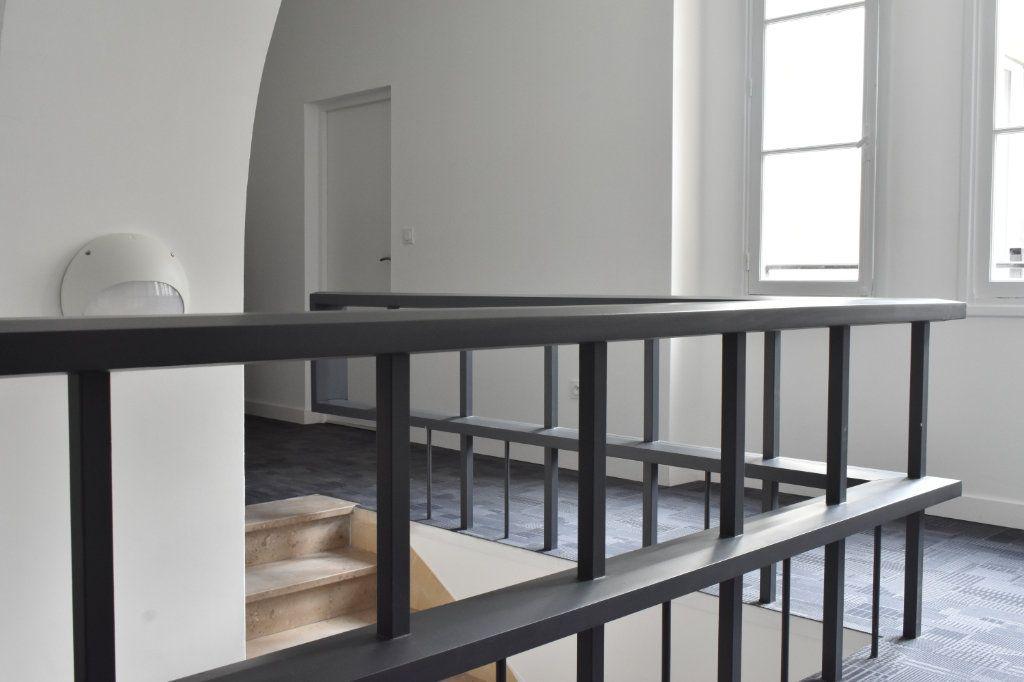 Appartement à louer 3 69.3m2 à Rochefort vignette-4