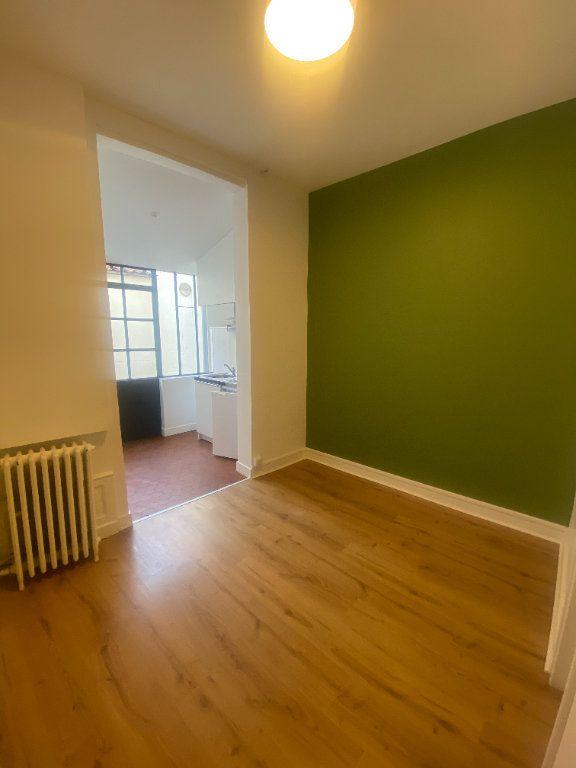 Appartement à louer 1 18.4m2 à La Rochelle vignette-2