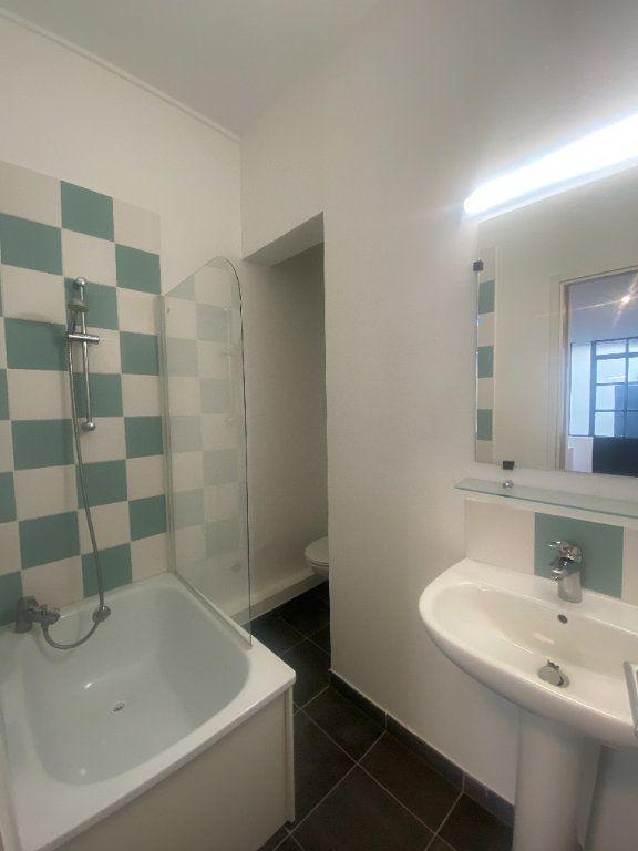 Appartement à louer 1 18.4m2 à La Rochelle vignette-3