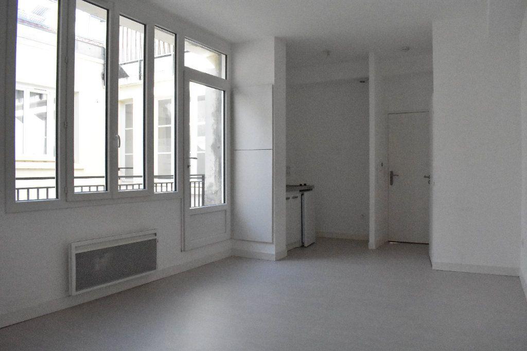 Appartement à louer 2 43.5m2 à Rochefort vignette-3