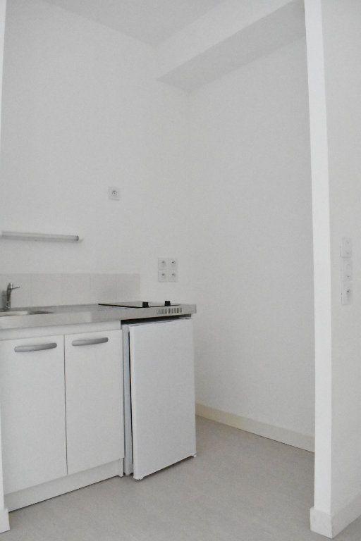 Appartement à louer 2 43.5m2 à Rochefort vignette-4