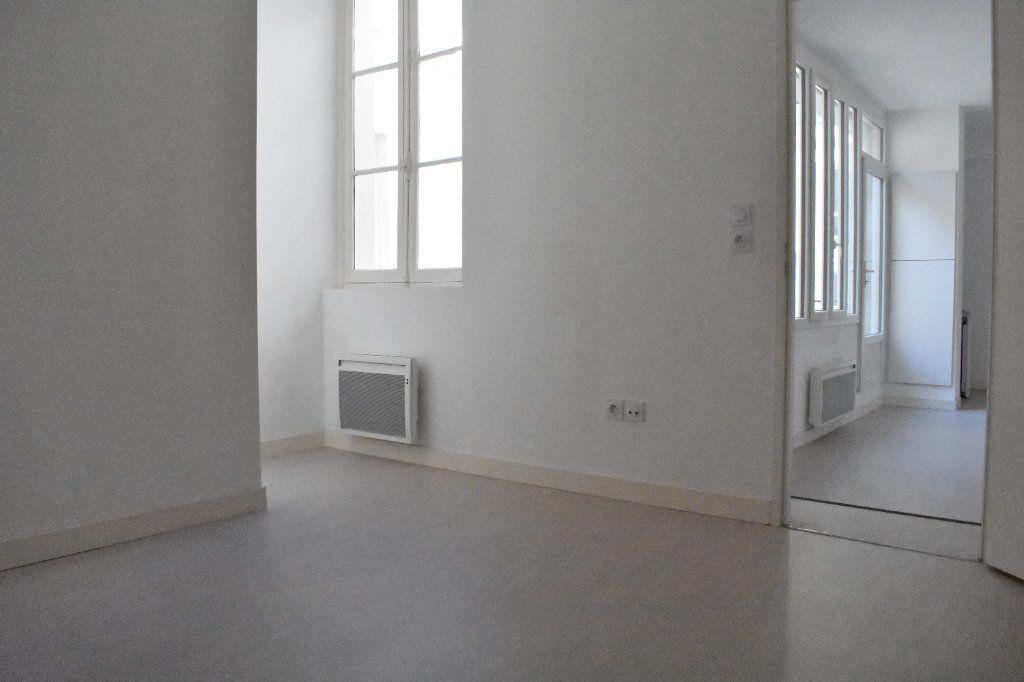Appartement à louer 2 43.5m2 à Rochefort vignette-6