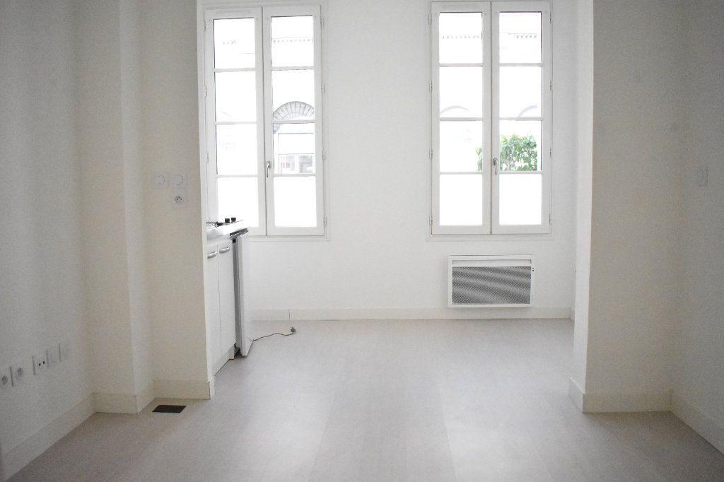 Appartement à louer 1 27.3m2 à Rochefort vignette-7