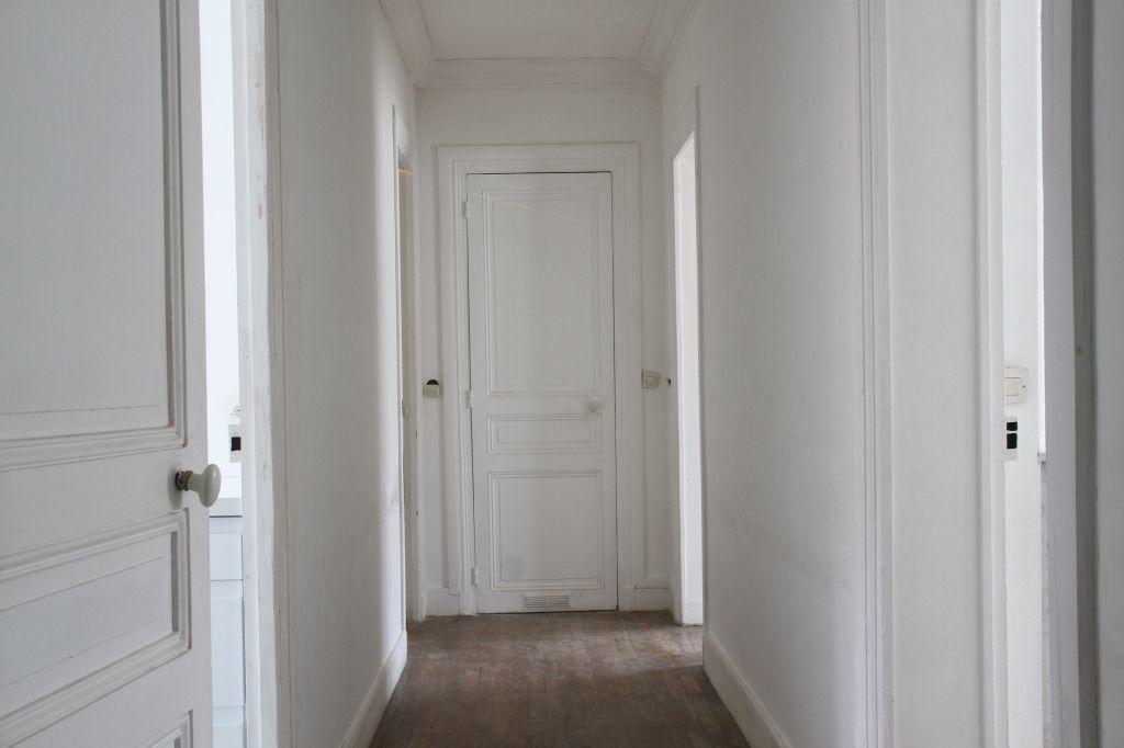 Appartement à louer 4 73m2 à Aubervilliers vignette-2