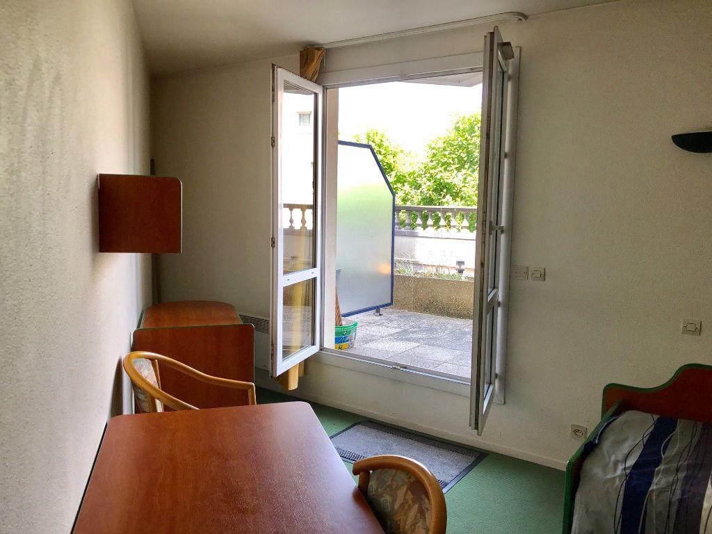 Appartement à louer 1 18.12m2 à Saint-Denis vignette-1