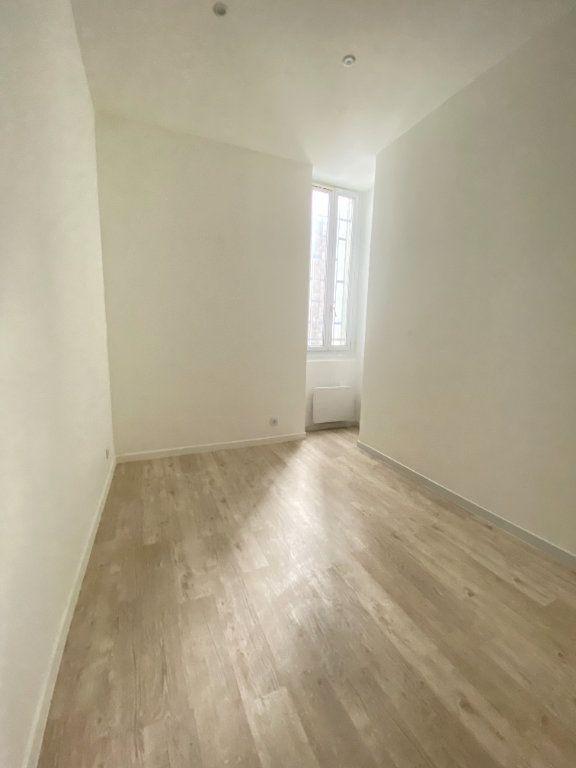 Appartement à louer 2 31m2 à Saint-Denis vignette-5