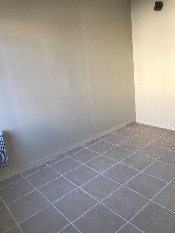 Appartement à louer 2 32.82m2 à Aubervilliers vignette-3