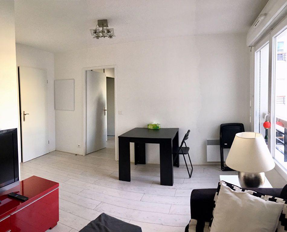Appartement à louer 2 38m2 à Saint-Denis vignette-2