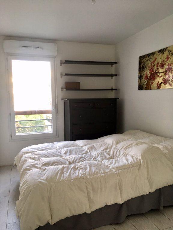 Appartement à louer 2 38m2 à Saint-Denis vignette-3