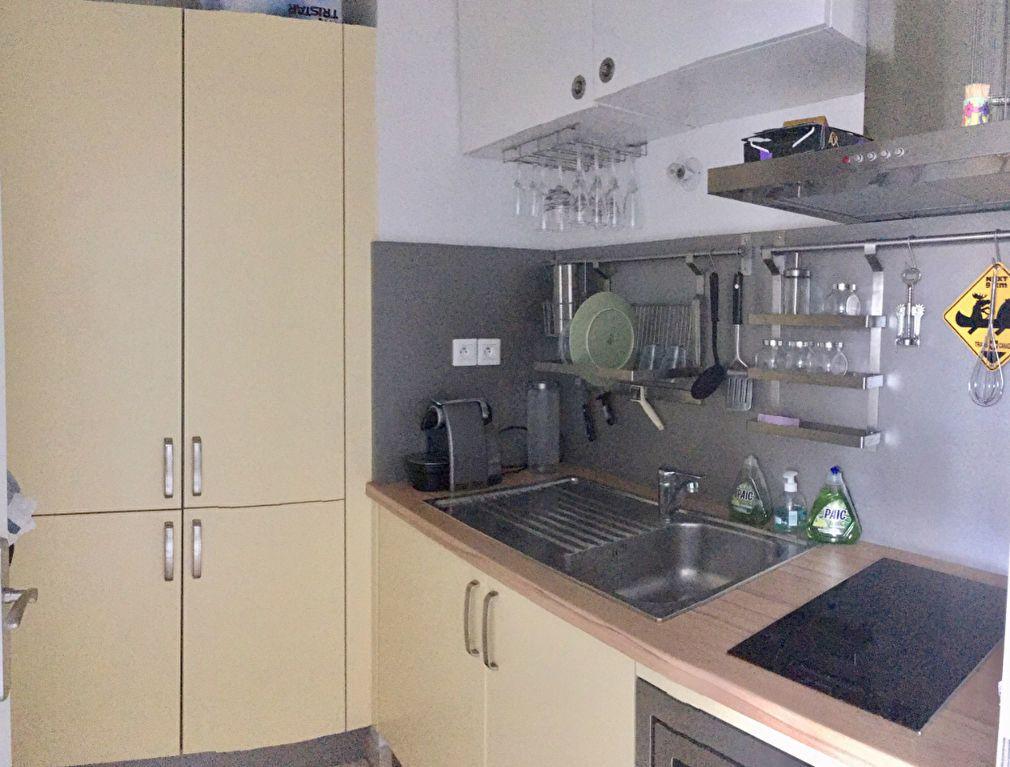 Appartement à louer 2 38m2 à Saint-Denis vignette-4