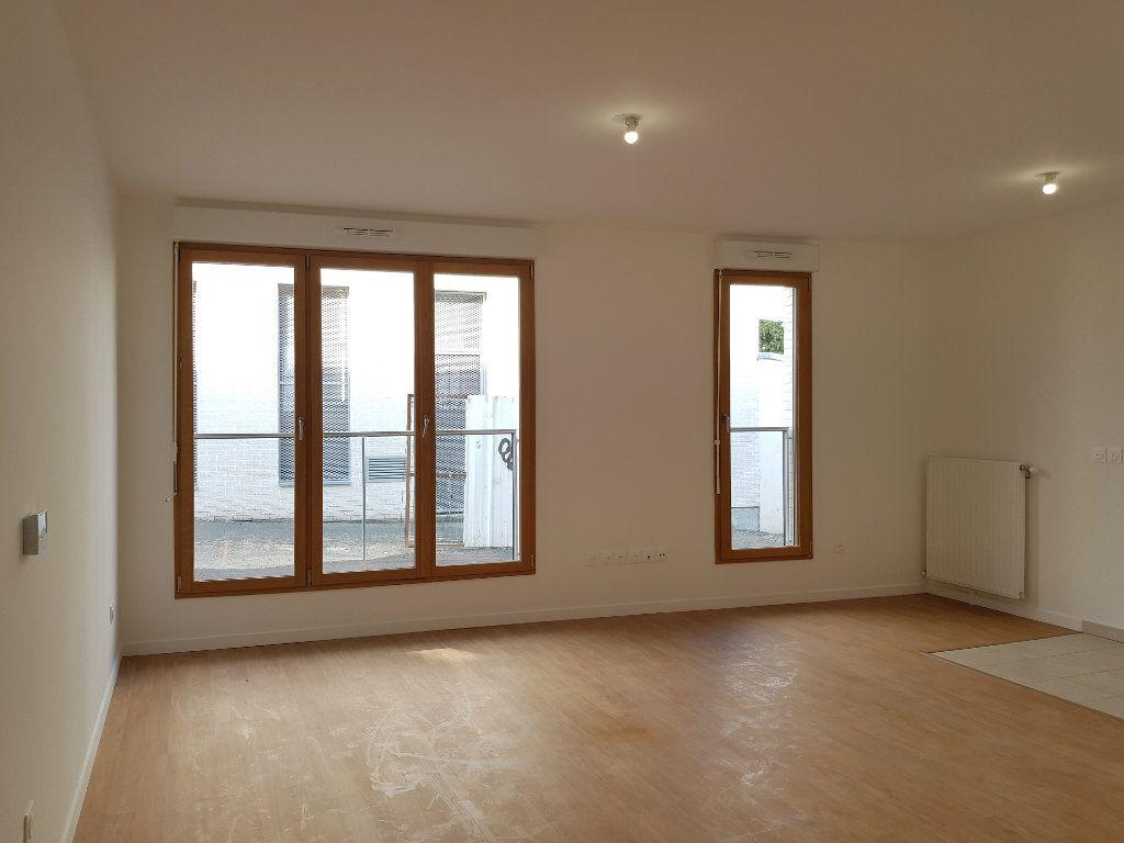 Appartement à louer 1 33m2 à Saint-Denis vignette-4