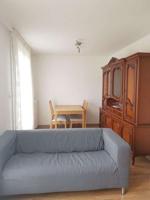 Appartement à louer 2 50.77m2 à Aubervilliers vignette-3