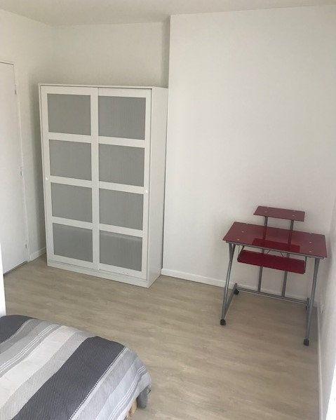 Appartement à louer 1 11m2 à Saint-Denis vignette-3