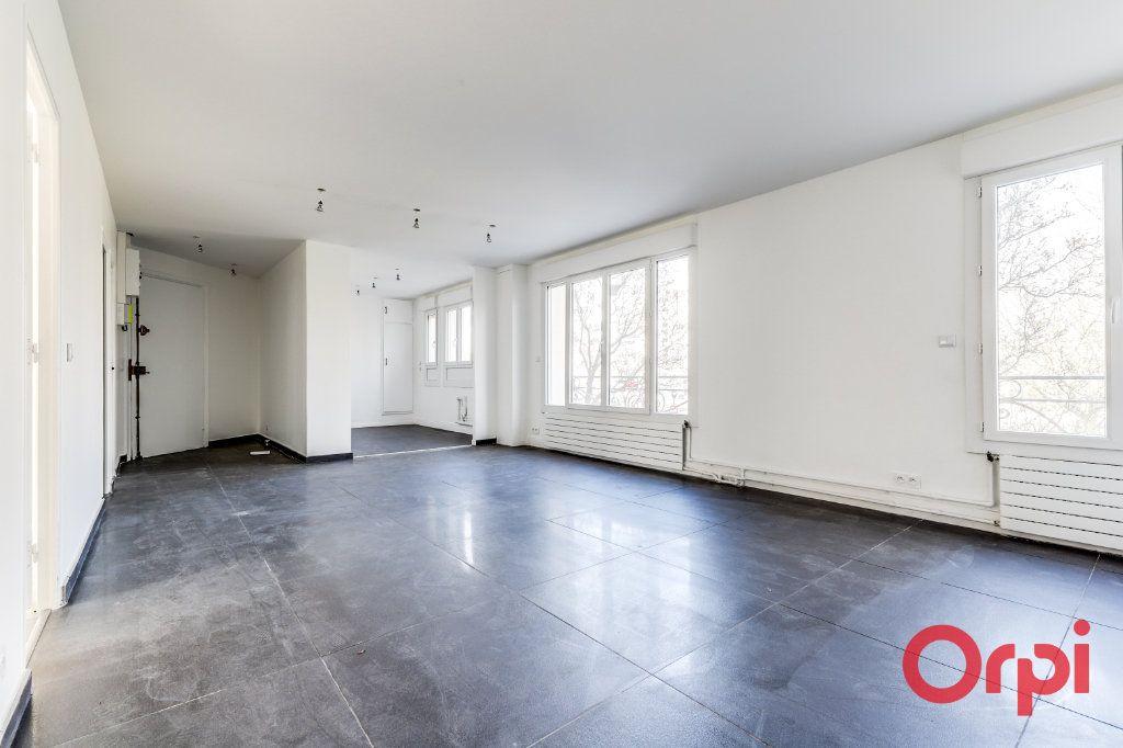 Appartement à vendre 4 106m2 à Saint-Denis vignette-2