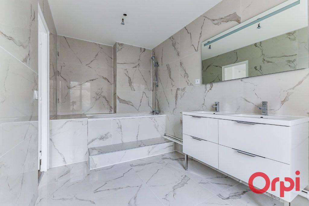 Appartement à vendre 4 106m2 à Saint-Denis vignette-5