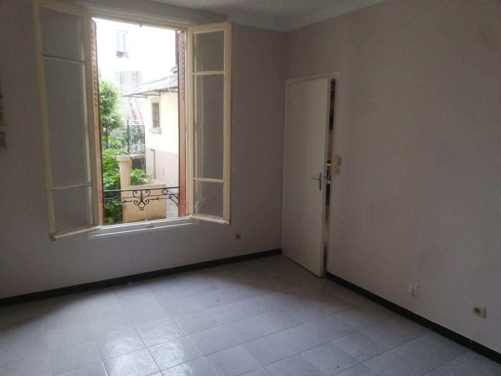 Appartement à vendre 2 39.08m2 à Aubervilliers vignette-1