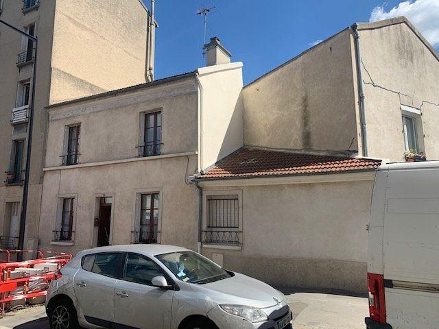 Maison à vendre 4 77m2 à Aubervilliers vignette-1