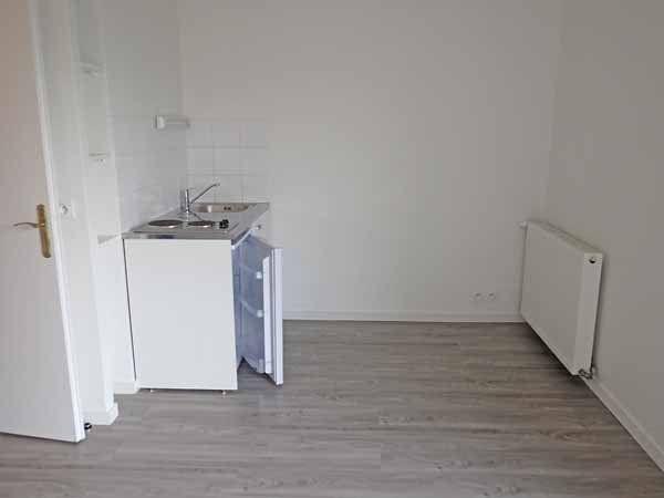 Appartement à louer 1 22m2 à Saint-Denis vignette-3