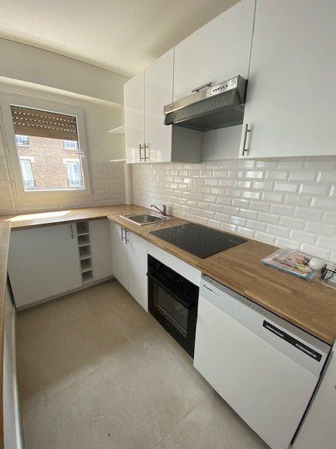 Appartement à louer 2 42.35m2 à Aubervilliers vignette-4