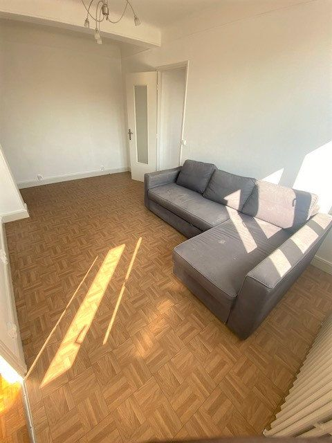 Appartement à louer 3 54m2 à Aubervilliers vignette-2